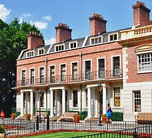 England Row Houses @ Epcot by lmcarlos
