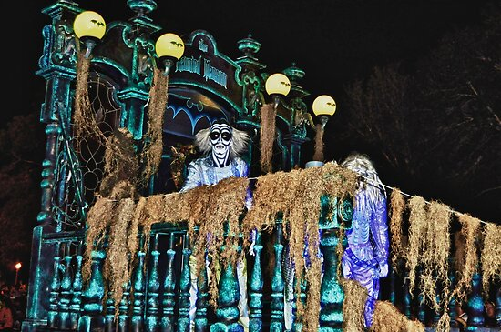 Hitchhiking Ghost @ Boo to You Parade by lmcarlos