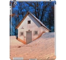 Small cottage in winter wonderland | architectural photography iPad Case/Skin