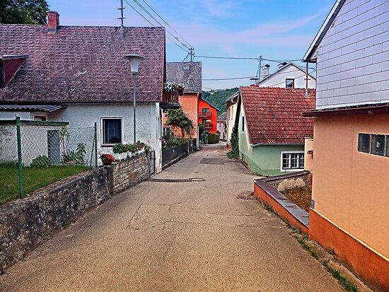 Picturesque little village lane | architectural photography by Patrick Jobst