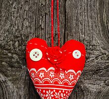 Handmade fabric heart by Kirill Mazanik Studio