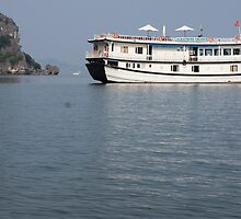 halong bay by Anne Scantlebury