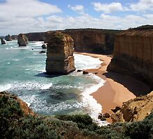 12 Apostles - Don`t go near the edge by John Dalkin