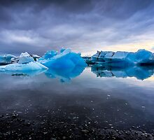 Sunset Lagoon: Glaciers at Jökulsárlón, Iceland by thewaxmuseum