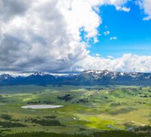 Peak of Mt. Bunsen, Yellowstone Natl. Park by julcoh