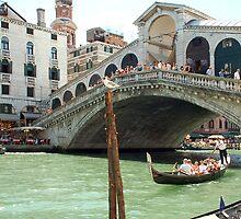 Rialto bridge - Venezia by Arie Koene