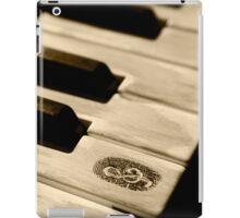 Grunge piano keys iPad Case/Skin