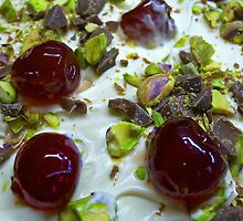 Pistachio & Cherry Cheesecake by rennaisance