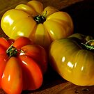 Trois tomates by Jean-Luc Rollier