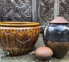 three pots by Anne Scantlebury