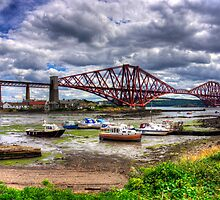 Low Tide in North Queensferry by Tom Gomez