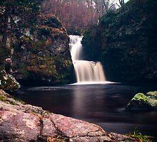 Linn Falls - Aberlour  by Alexander Dutoy