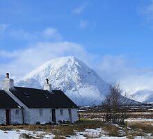 Black Rock Cottage, Glencoe by Pat Millar