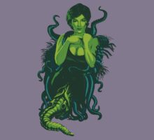 Lovecraftian Beauty by tommullin