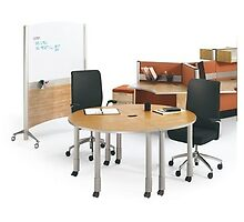 Artopex Uni-T Workstations by applied