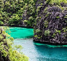 Natural Paradise in Philippines. by Mariusz Prusaczyk