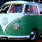 VW Splitty by ©The Creative  Minds