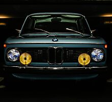 Vintage BMW 2002 by 206photo