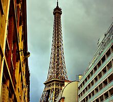 Eiffel Tower by officialtoml