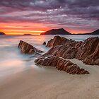 Shoal Bay Beach by Andi Surjanto