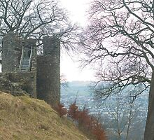 Kendal Castle by photoeverywhere