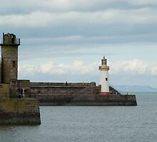 Sea wall, Whitehaven harbour by photoeverywhere