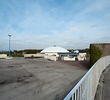 dome and derelict leisure park by photoeverywhere
