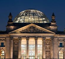 The Reichstag building at night by photoeverywhere