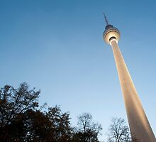 fernsehturm by photoeverywhere