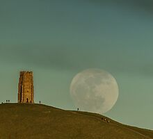 Moon of Winds rising over Glastonbury by PeterMillar