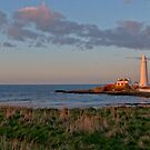 St Marys Lighthouse by Peter Barrett