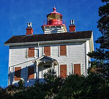 Yaquina Bay Lighthouse by thomr