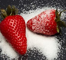 Strawberry with Sugar by giacomocheccu