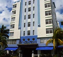 Miami Beach - Art Deco by Frank Romeo