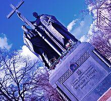 Bluish monument by ALEJANDRA TRIANA MUÑOZ