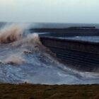 Big waves by amylw1