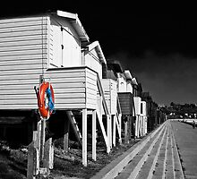 Beach huts in Essex by Dave Tanner