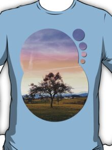 Old tree and amazing cloudy sky | landscape photography T-Shirt
