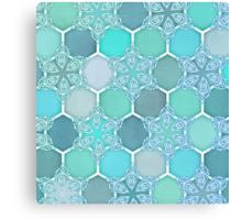 Frozen Mint Honeycomb - Doodle Hexagon Pattern Canvas Print