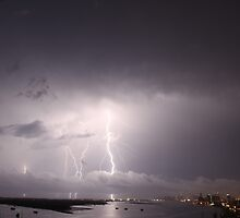 Lightning over the Gold coast by photonetwork