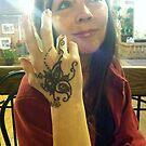 a henna hand . . . by evon ski