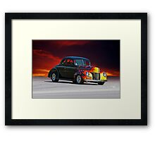 1940 Ford 'Deluxe' Coupe Framed Print