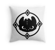 How To Train Your Dragon 2 Night Fury Tee Throw Pillow