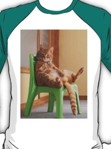 The most chilled out cat! T-Shirt
