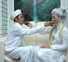 bride and groom by bayu harsa