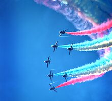 Red Arrows  by Paul Shellard