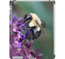 Buzzing along iPad Case/Skin
