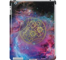 'Gallifrey Falls No More.' in Gallifreyan - Gold (bright nebula background) iPad Case/Skin