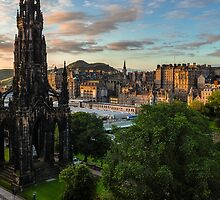 Auld Reekie at sunrise by Graeme  Ross