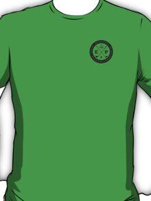 Golfing tshirt - East Peak Apparel - Small Circular Logo Print T-Shirt